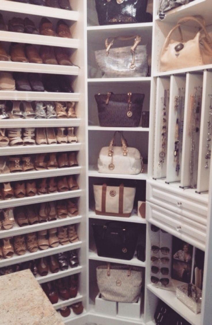 XOXO: Closet