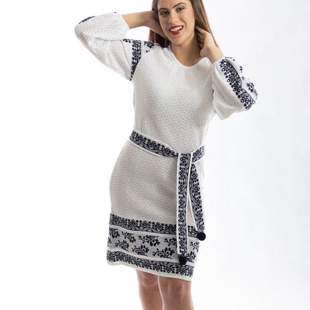 CZ/EN:  Nové teple šaty pro chladné zimní dny.  /  New warm dresses for cold winter days.  #roduslava #roduslavasaty #roduslavasvetr #pleteny #vysivka #embroidery #newss17collection   #czech #slavic #brand #slovanskamoda