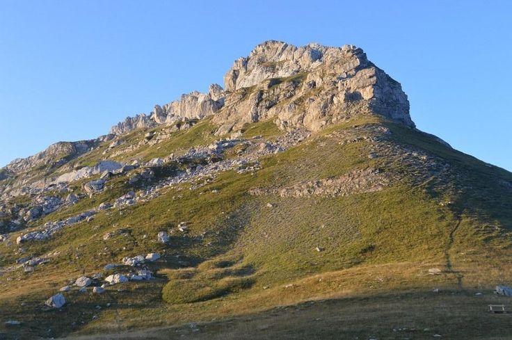 Величественная гора. Дурмитор. Черногория  #прогулка#дурмитор#черногория#горы#балканы#походы#туризм#альпинизм#скалолазание#долгожители#горцы#отдых#поход#горы#путешествие#путешествия#путешествуем#путешествуй#путешествовать #путешествую#турист#туристы#поездка#отпуск#отпуск2016#отдых #отдыхаем#заграница#тур#путь