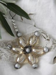 Gammeldags julpynt av glaspärlor Jeanne d´Arc Living shabby chic lantlig stil