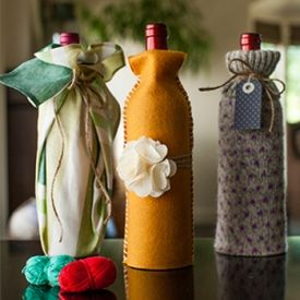 3 easy and cheap ways to wrap wine bottles in 5 minutes. Cute hostess gift!
