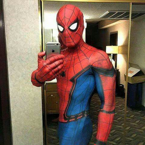 Tom Holland gives another selfie (not really)