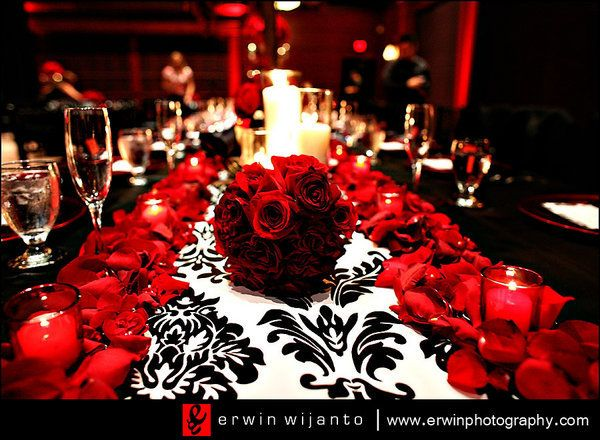 damask table runner, black tablecloth, red roses