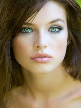 great make up tips for those with fair skin, brown hair green