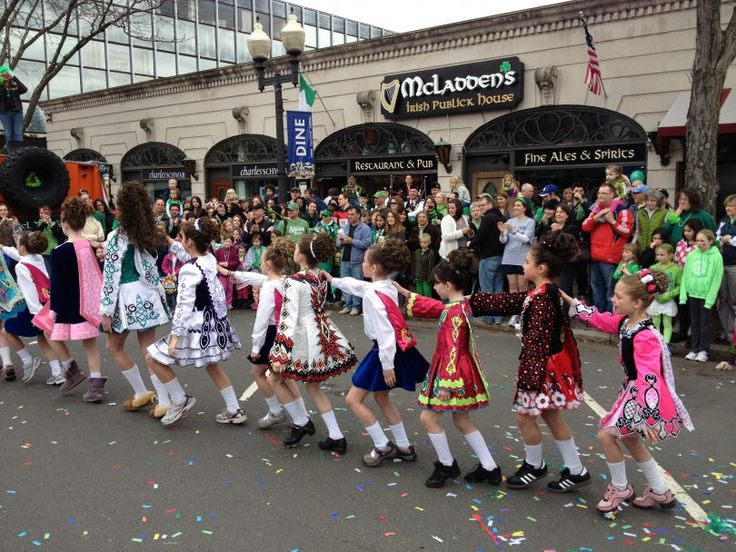 McLadden's Celebrates St. Patrick's Day in West Hartford Center with Step Dancing and Music - We-Ha | West Hartford News