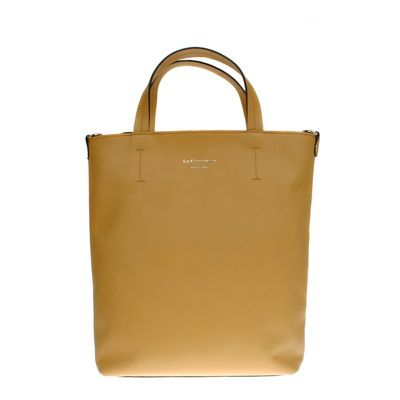 Milou Moutarde #bagdesign #zurich #zürich #bags #bag #autumn #tasche #baggoals #shoes #bagsarelife #leather #lagarçonneshoes #lagarconneshoes #schultertasche #shoulderbag #designerbags #cool #shopper #shopperbag #shoppingbag #wildleder #leder #ledertasche #latherbag #switzerland #suisse #schweiz #svizzera #bern #basel #biel #geneve #yellowbag #yellow #gelb