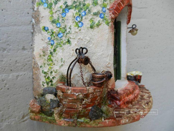 Pozzo (particolare) Tegole antiche decorate e dipinte a mano. Leggi la sua storia http://www.coppobuonricordo.it/2013/10/il-pozzo.html
