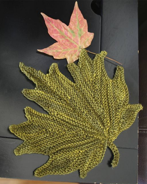 Maple Leaf Pathway Beautiful: Decorative Knitted Maple Leaf Pattern By Svetlana Gordon