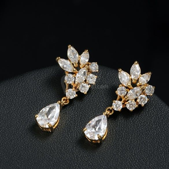 18K Gold Plated Vintage Big Water Drop Shine Full Crystal Stud Earrings, unit price of $4.19 only - Yesfor.com