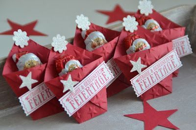 Stampin' Up!, SU, Kreativ mit Liebe!, Gaästegoodies, Weihnachten, kleine Verpackungen, Goodies, Gutscheinaktion, Stempelset Nostalgische Weihnachten, Stanze Abreißetikett, Glitzerpapier Diamantgleißen, Umschlagpapier in glutrot, Stanze Boho Blüten