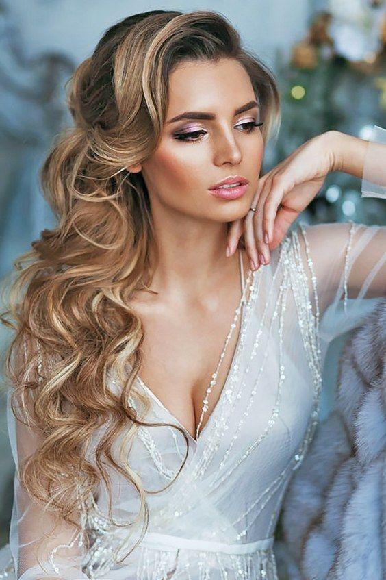 Schöne Frisuren für langes Haar gerade für die Hochzeit