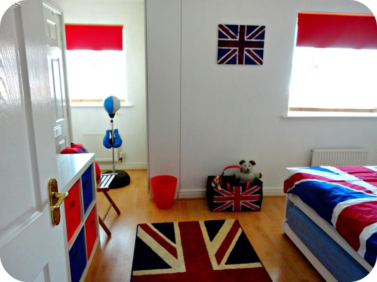 Union Jack decor--rug-wall hanging--quilt-- basket red blue storage