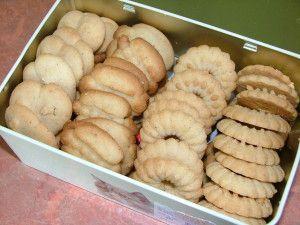 Source : Luthine de la Cuillère Magique J'ai utilisé ma nouvelle Presse à biscuits pour confectionner mes biscuits. Merci Luthine. Les biscuits étaient excellents. Biscuits Spritz à la presse à biscuits Ingrédients : 250 g de farine 175 g de beurre demi...