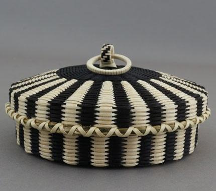 Flat ash and sweetgrass fine weave basket by Jeremy Frey, Passamaquoddy