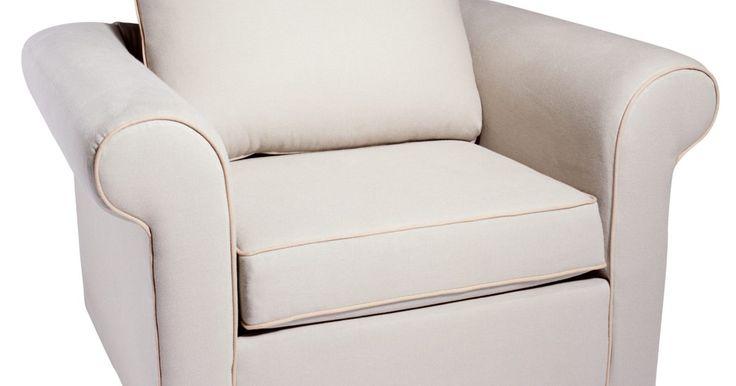 Instrucciones para tapizar muebles . Retapizar puede ser una forma económica de revivir un viejo mueble o darle un estilo completamente personalizado. Aunque puedes retapizar cualquier mueble desde una otomana al sofá de tu sala de estar, seguir atentamente las instrucciones para retapizar es la clave para obtener los mejores resultados.