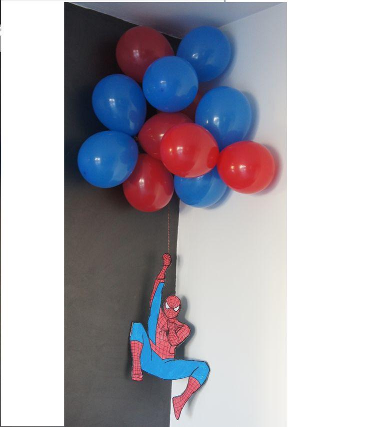 Spiderman en papier et carton