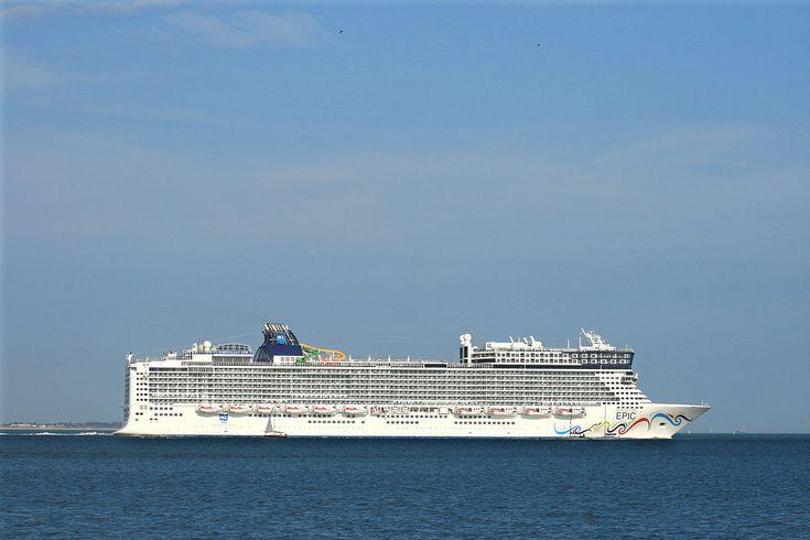 Norwegian Epic - Wikipedia   Norwegian epic, Cruise ships