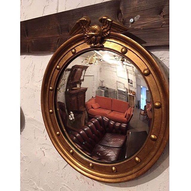 Зеркало  старинная мебель ЗаказатьЦена 15900 р Описание Винтажное зеркало из Европы, ХХ век  Размеры: 49х53 см