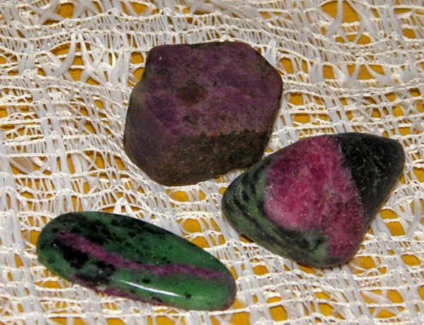 Ruby crystal (natural), Ruby in Zoisite (hand polished)