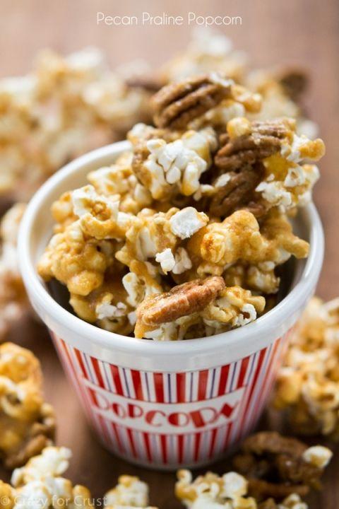 Pecan Praline Popcorn - the best mix of pecan praline and popcorn! It's an easy recipe and so addictive!