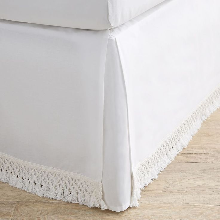 Crochet Trim Bed Skirt In 2020 Dorm Bed Skirts Faux