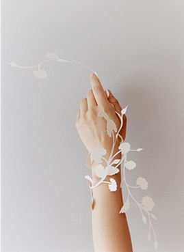 paper cuts-yuko yamamoto