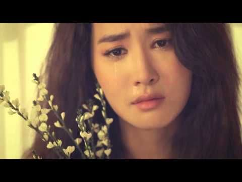 Brown Eyed Soul - 비켜줄께(I'll Move)  This is a very Beautiful, Emotionally Translated Video. The Melody and Harmonization is Amazing!  Enjoy!! *-*!!