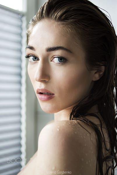 Milk bath girl photo photoshoot photograph foto style beauty portrait idee