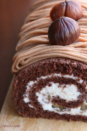 Mont Blanc roll cake-!! Love chestnut.