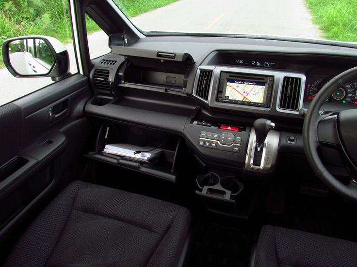 Honda STEPWGN SPADA :headlightmag.com