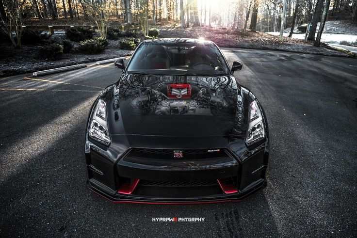Nissan GTR nismo black