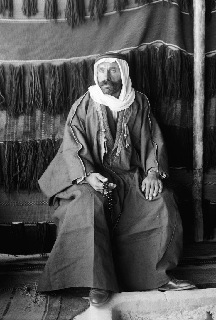 Sultan Pasha al-Atrash, leader of Great Syrian Revolt of 1925, in the Arabian Desert after fleeing Syria.