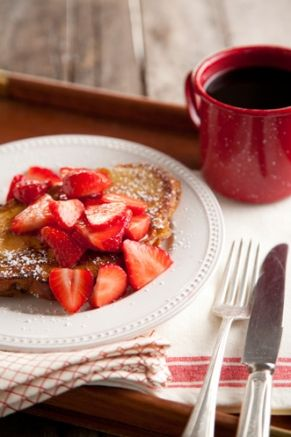 Strawberry Chocolate French Toast. food breakfast brunch Valentines