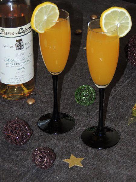 C'est le week-end! Place à l'apéro! Un petit apéritif que l'on peut préparer à la dernière minute et qui séduira les becs sucrés... Pour un verre 10cl de nectar de mangue 2cl de Grand Marnier 1 rondelle de citron Côte de Bergerac doux (à défaut remplacez...
