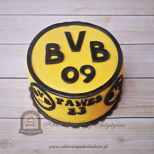 80BA. Tort z logo Borussia Dortmund. Borussia Dortmund football team cake. ️