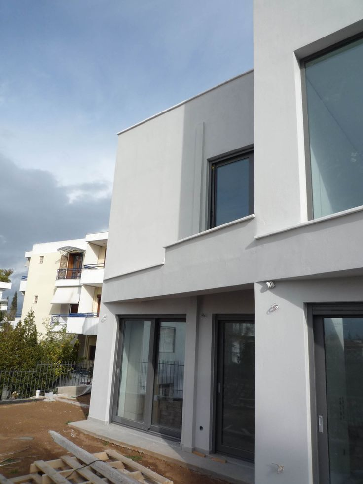 Nikolas Dorizas Architect, Tel: +30.210.4514048 Address: 36 Akti Themistokleous – Marina Zeas, Piraeus 18537. On a narrow plot, creation of 3 (three) autonomous residences, for 3 different, related families. The residences have two basements, one formed as a common playroom, with an internal swimming pool, and the second serving as parking and indoor activities space. Kifissia (northern suburb of Athens), Greece Στην Κηφισιά τρεις αυτόνομες κατοικίες με δύο υπόγεια εκάστη και εσωτερική…