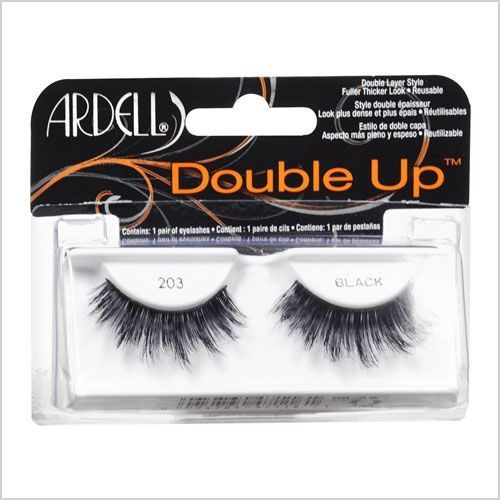 False eyelashes even au natural makeup gals will love