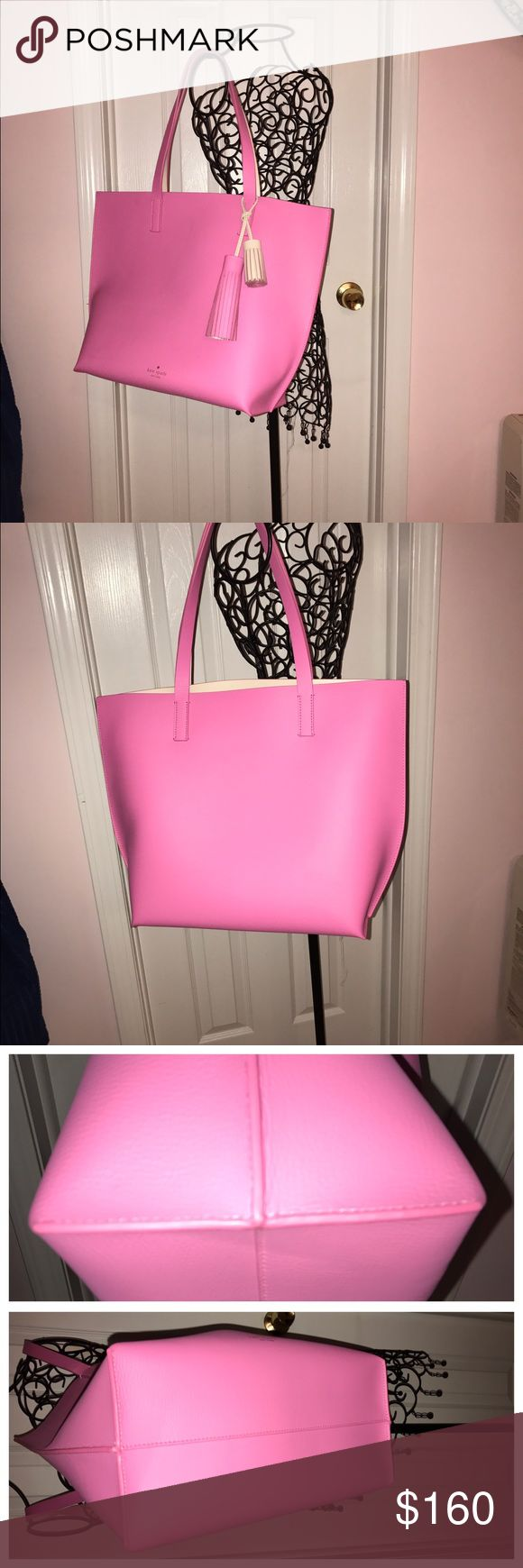 """👛Kate Spade ♠️ COURT FORTER TASHA TOTE💕 RELISTED NWT but not attached...NEVER USED❣❣Pebbled leather with embossed signature and light gold stud  Interior has one zip pocket and one slide pocket  Two fringe tassels included (tassel 5"""" tassel 2.25"""")  Approx dimensions: 13"""" H x 17.5"""" W x 6"""" D with dual handle (9"""" drop) kate spade Bags Totes"""