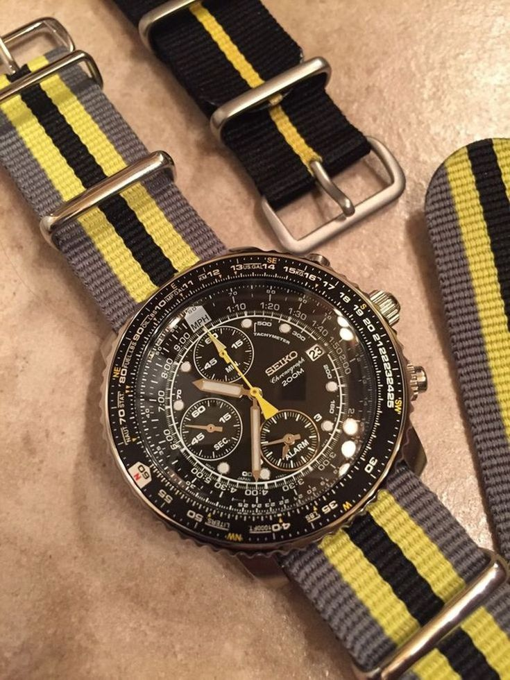 Watch strap of the day, March 30, 2017. Seiko on grey, yellow & black NATO strap.