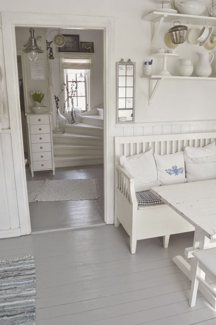 Eclectic Victorian Farmhouse With Shabby Chic Furniture
