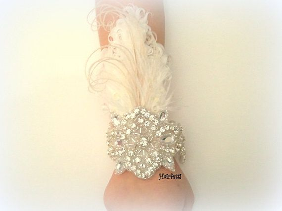 1920s Great Gatsby white feather corsage 20s wedding by Hairfetti