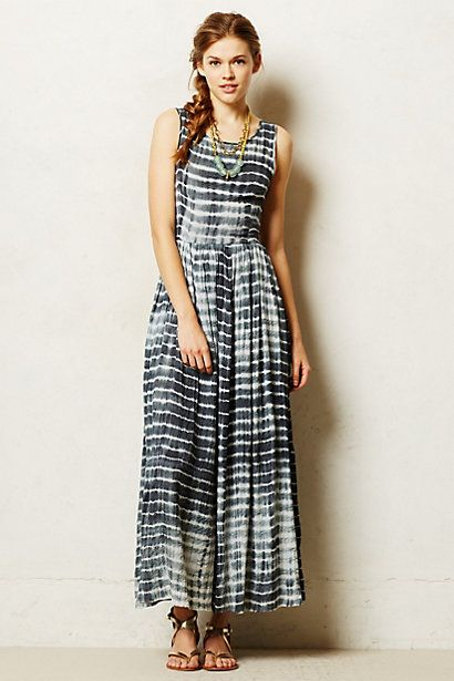 This pretty maxi dress is a honeymoon must-have, right?!