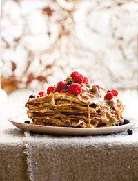 Pancakes with caramel sauce | SARIE | Pannekoek met karamelsous