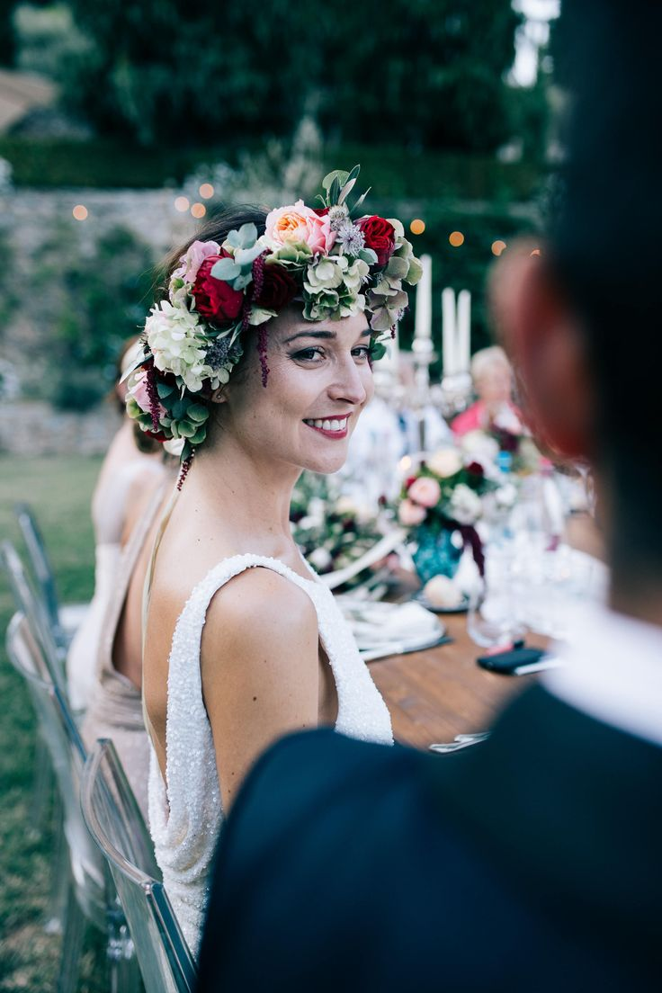 Flower Crown | Suzanne Harward Wedding Dress | Outdoor Wedding | Villa Catureglio in Tuscany | Stefano Santucci | http://www.rockmywedding.co.uk/mia-paolo/