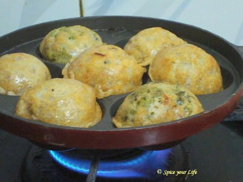 Appey or Paniyaram with Jowar Flour ~ a quick and simple breakfast for Diabetics