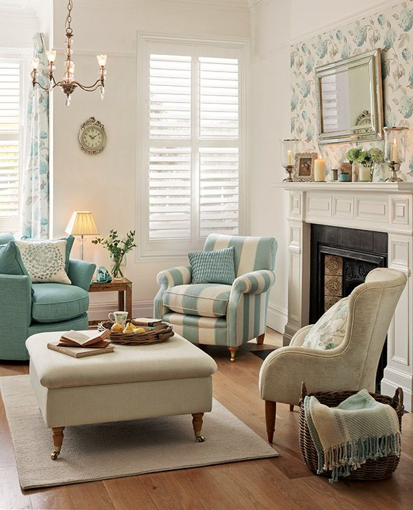 Best 25 laura ashley ideas on pinterest laura ashley for Front room feature wallpaper