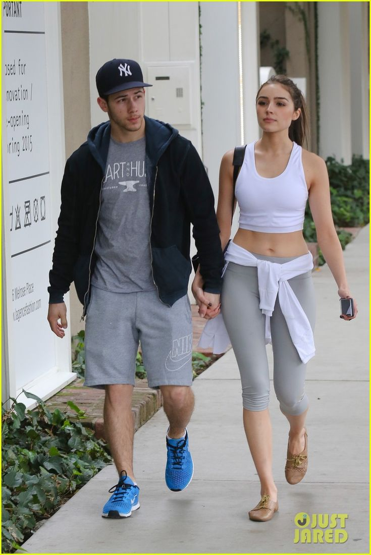 nick jonas olivia culpo shows off toned tummy 01 Nick Jonas and his girlfriend Olivia Culpo hold hands while grabbing coffee together at Alfred Coffee & Kitchen on Wednesday (March 11) in West Hollywood, Calif.…