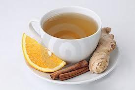 Chá termogênico de gengibre e canela que acelera a queima de gordura localizada e afina a cintura.  *1 litro de água,  2 colheres (sopa) de gengibre em pedaços ou ralado, 3  pauzinhos de canela e Adoçante.*