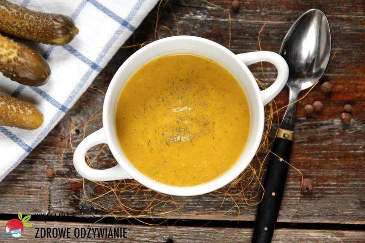 Smakowita zupa z dyni i kiszonych ogórków. Szybka zupa, Zdrowa zupa. Źródło beta-karotenu. Proste przepisy. Zdrowe odżywianie. Zdrowe oczyszczanie.