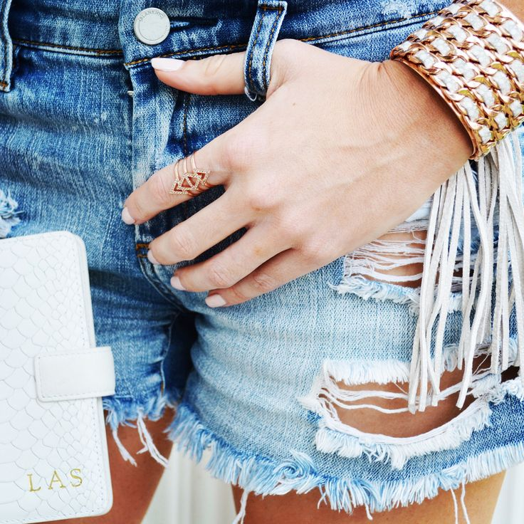 My Henri Bendel Fringe Cuff and Gigi New York Monogrammed Phone case are on SALE for Memorial Day! DETAILS: http://www.bigblondehair.com/my-style/lauren-loves-my-picks-for-the-best-memorial-day-sales/